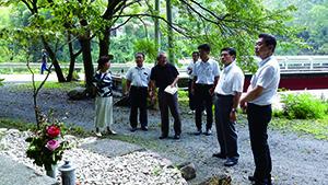 2017年8月30日和歌山県議会 改新クラブ県内視察「B29慰霊祭の取り組み視察」のようす